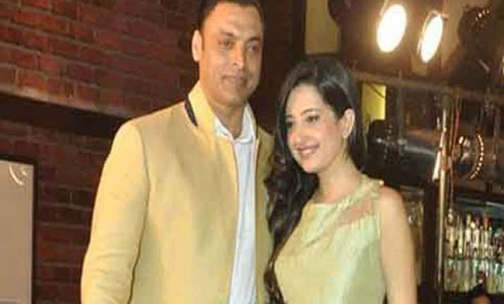 shoaib akhtar finally gets married to a twenty year old