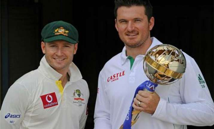 south africa bowls first in opening test against australia