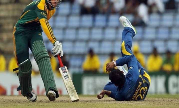 sri lanka thrashes south africa by 8 wickets
