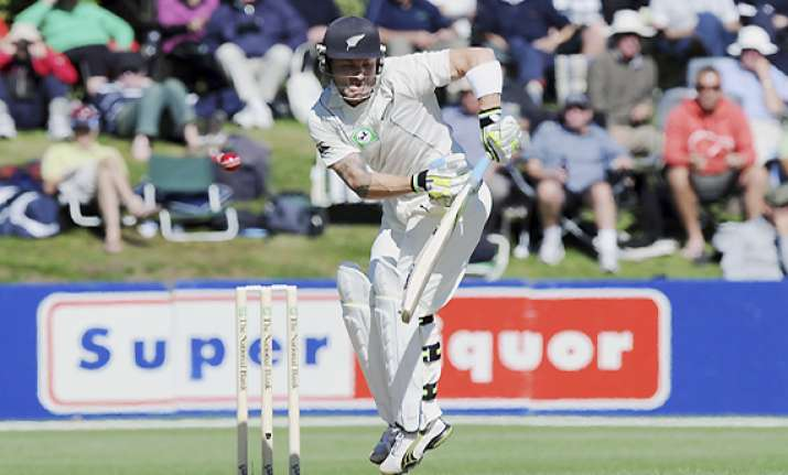 1st test new zealand 137 2 at stumps on day 4