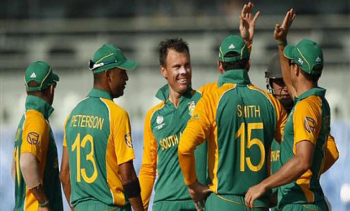 south africa thrash zimbabwe by eight wickets