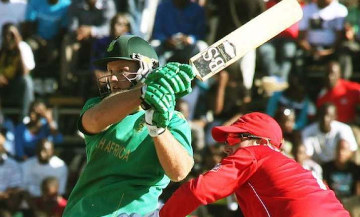 south africa beats zimbabwe by 6 wickets