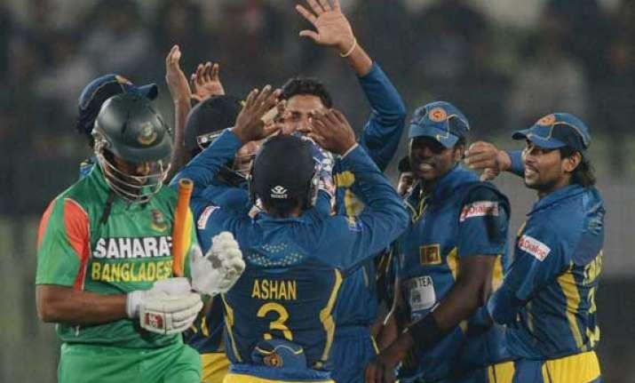 sri lanka beats bangladesh in 1st 1 day match