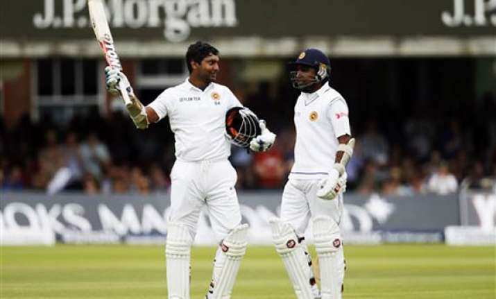 sri lanka leads england by 106 with 6 wickets left