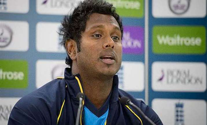 sri lanka wins toss elects to bat in 2nd odi against