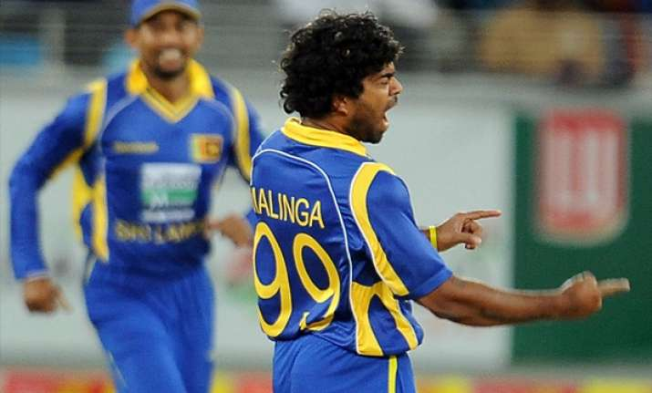 sri lanka beat pakistan by 25 runs level series
