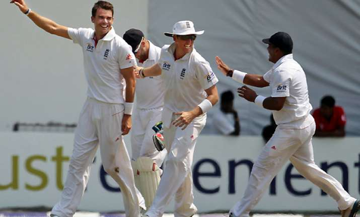 england reaches 154 1 in reply to sri lanka s 275