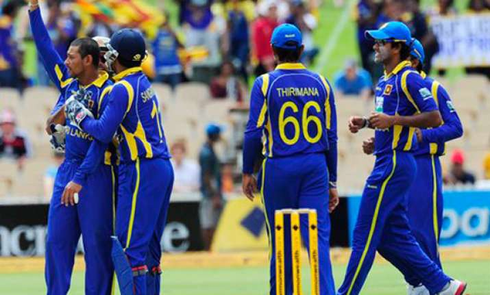 sri lanka eye triseries title against australia
