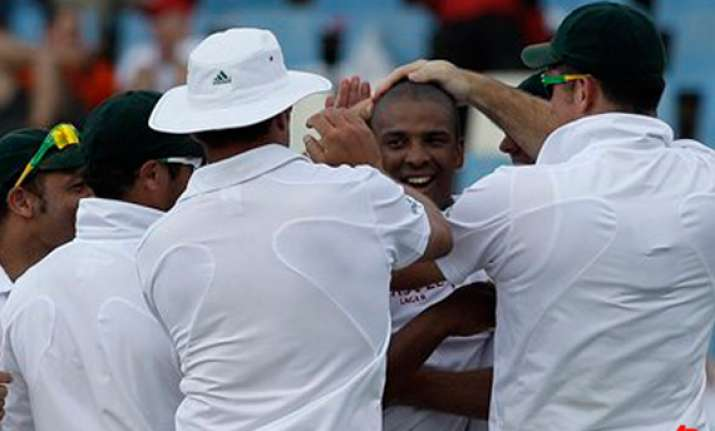 south africa races to innings win over sri lanka