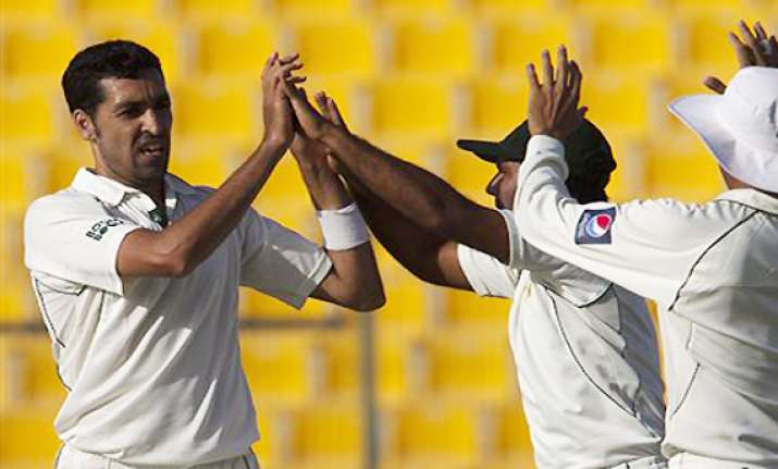 umar gul saeed ajmal skittle out lanka for 239 on day one