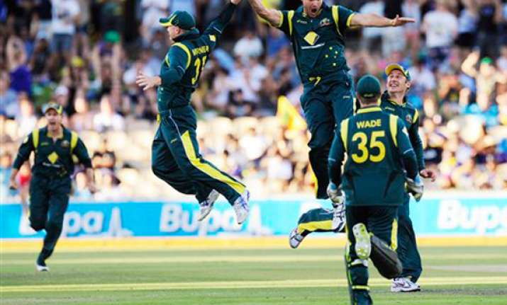 clint mckay five for helps australia clinch tri series title