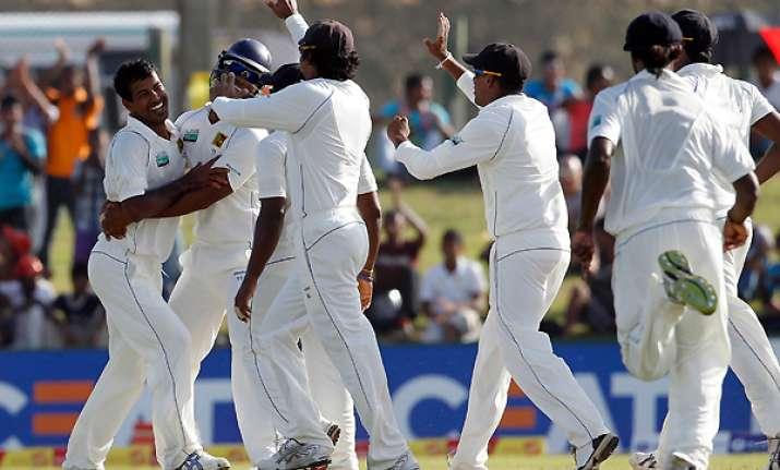 sri lanka dismisses pakistan for 100 in 1st test