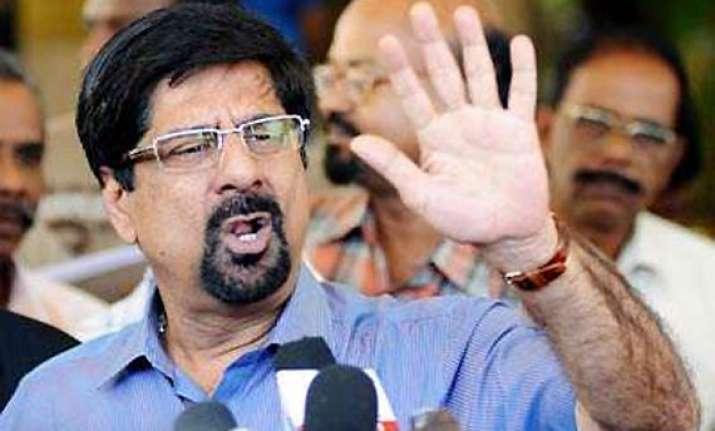 srikkanth defends dhoni s captaincy blames batsmen