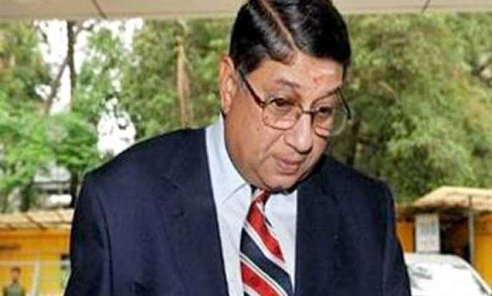srinivasan under pressure as former players ask him to