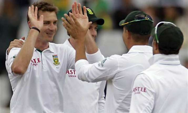 steyn becomes the 20th bowler to break 900 ranking point