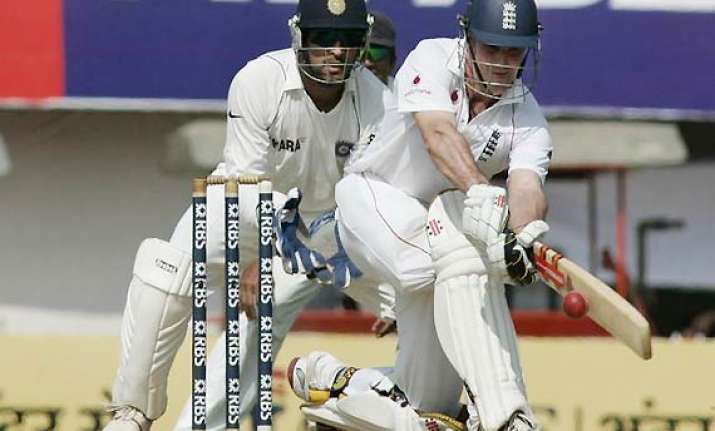 strauss is defensive dhoni thrives on aggression vaughan