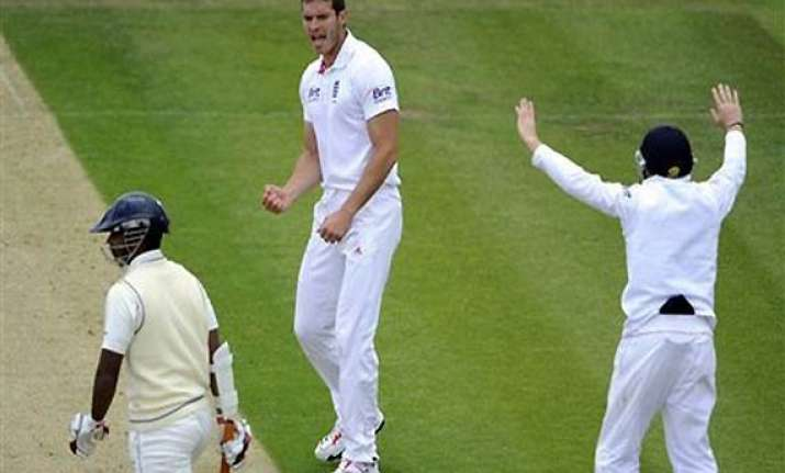 tremlett takes 6/42 as sri lanka is reduced to 177/9