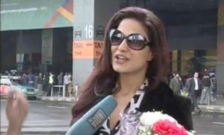 veena malik arrives from lahore for india tv show bigg toss