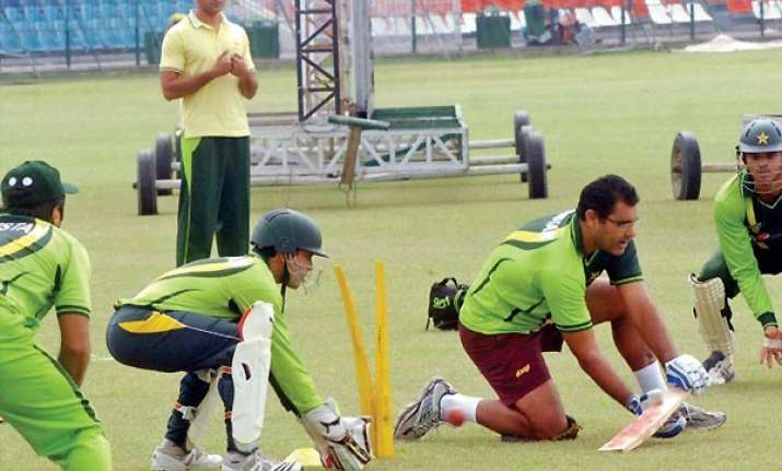 waqar leads young pakistan in coach s last series