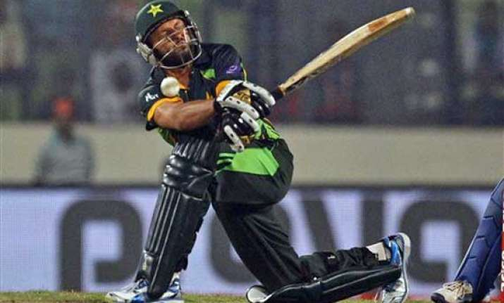 was under pressure to perform afridi
