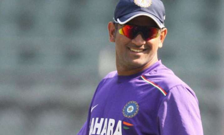 we should stick to playing on turners ms dhoni