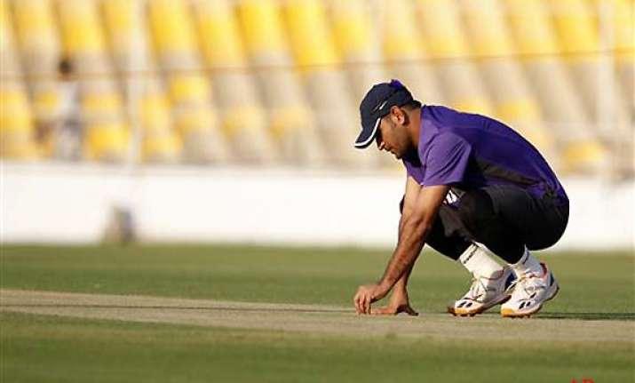we want a similar spinning track in kolkata says dhoni