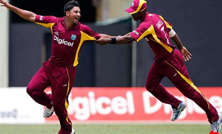 west indies defeats pakistan by 10 wickets
