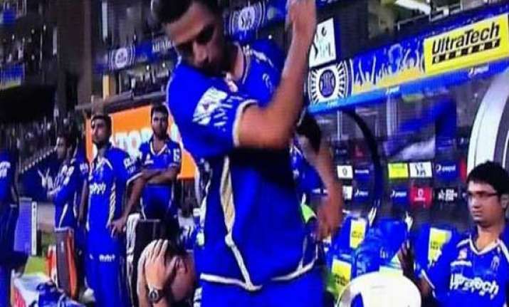 when rahul dravid threw his cap in anger
