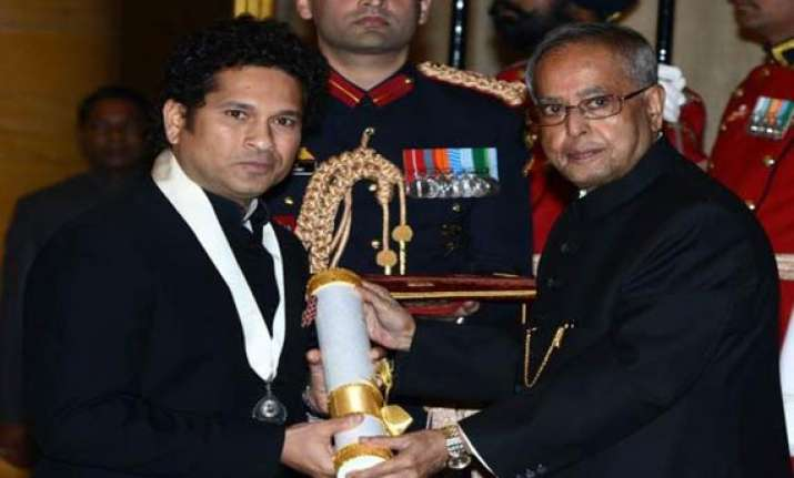 will continue to bat for india says bharat ratna sachin
