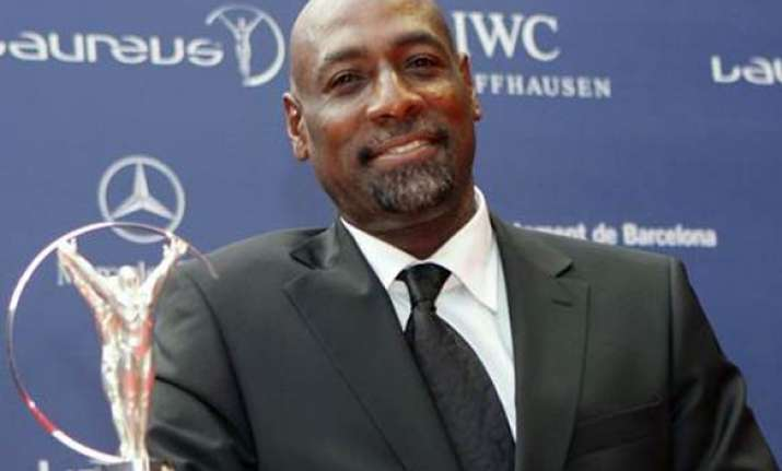 with fielding improved india are favourites viv