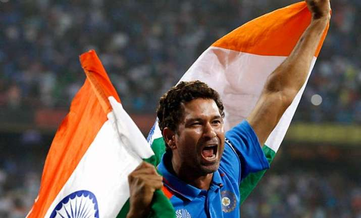 with tears in eyes sachin does the lap of honour