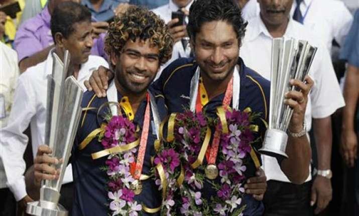 worldt20 champs sri lanka return to warm welcome