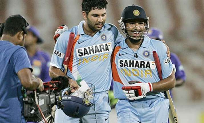 yuvraj dropped for 3rd test as rohit makes comeback
