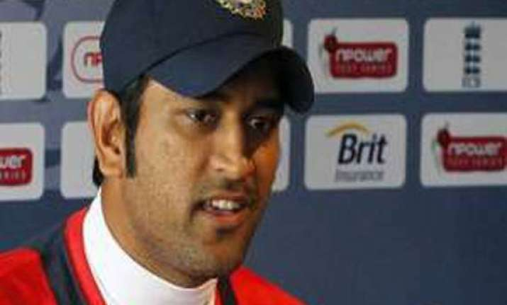 zaheer may not play in second test says dhoni