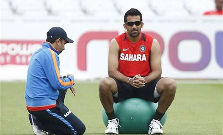 zaheer ruled out gambhir doubtful for second test dhoni