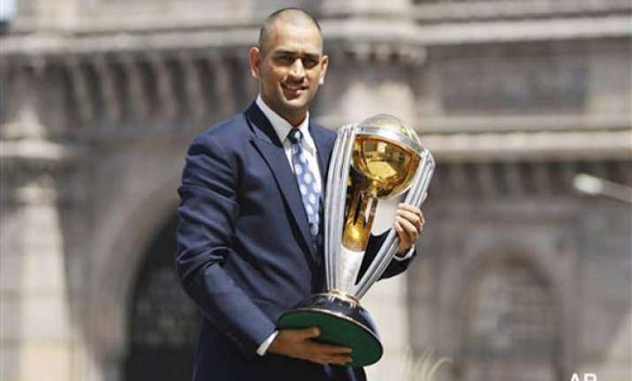 7 is a lucky number for dhoni