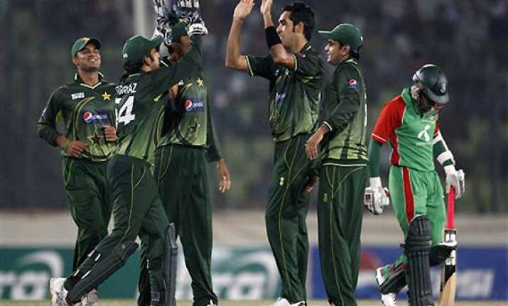 2nd odi pakistan beats bangladesh by 76 runs
