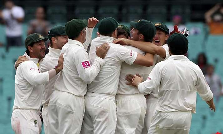 2nd test australia beat india to take 2 0 lead