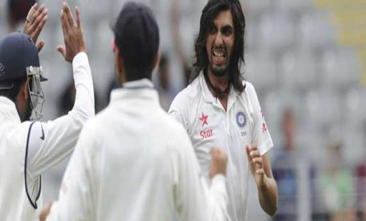 happy with my bowling says ishant