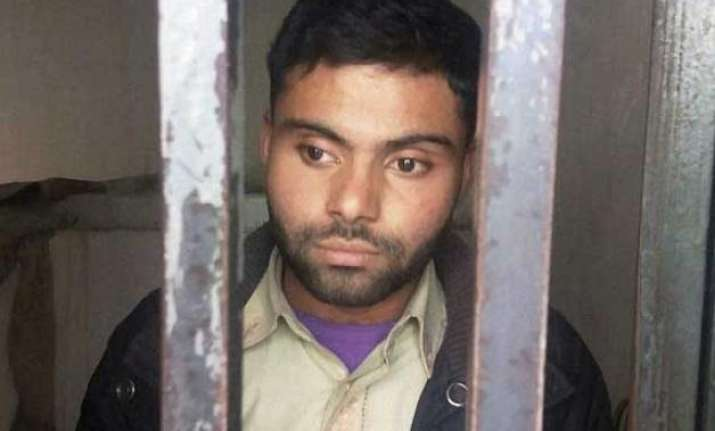 virat kohli s pakistani fan gets bail in indian flag