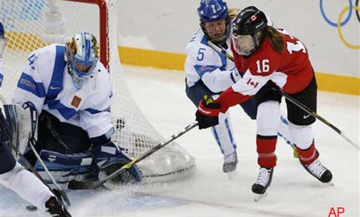 canada beats finland 3 0 in olympic women s hockey at sochi