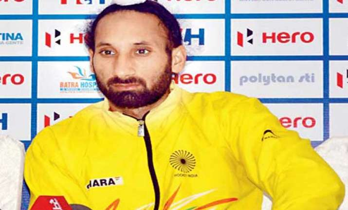 extremely disappointing to lose close matches sardar singh
