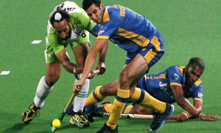 hil punjab warriors finally score win defeat delhi