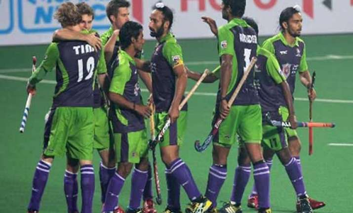 hockey india league delhi to take on winless mumbai tomorrow