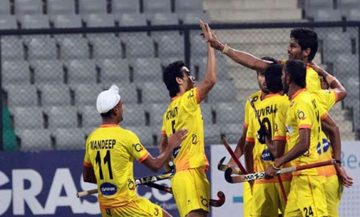 india prevail 3 2 over malaysia for first win in world cup