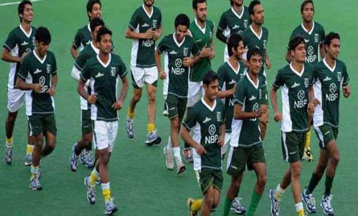 pakistanis should play in hil sardar ajit pal