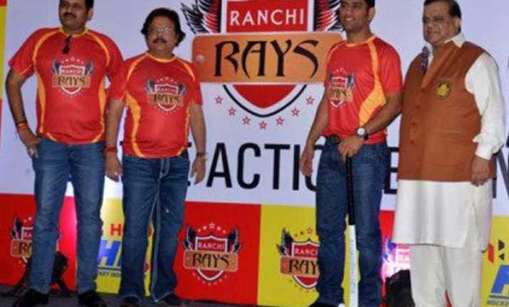 ms dhoni wishes his team ranchi rays ahead of hil