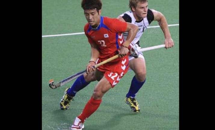 new zealand stun korea 2 1 to keep alive semifinal hopes