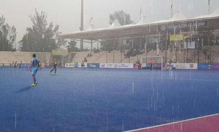 azlan shah cup india concede late goal to lose 1 2 to new
