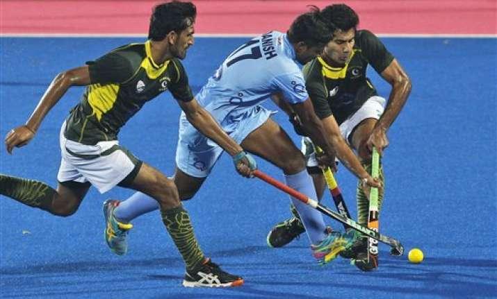 india suffer close 3 4 defeat against pakistan
